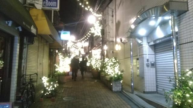 中野駅前レンガ通りのイルミネーション