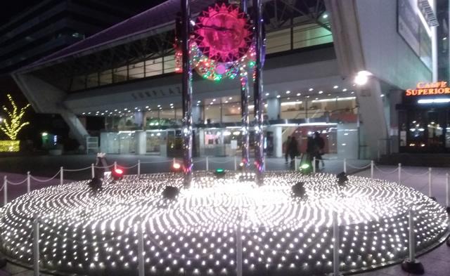 中野サンプラザ前の時計台