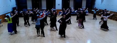 社交ダンス若者向けCDCダンスサークル