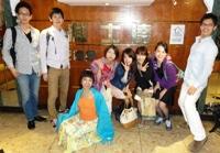 2013年4月台湾台北の社交ダンスホール雅士達ナイトクラブの前にて